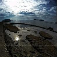 Jagalah Pantai kita dari pecahan beling